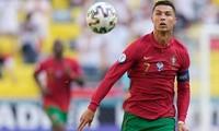 """Thua Đức, nhưng Cristiano Ronaldo khiến dân mạng """"dậy sóng"""" với cú hất bóng đỉnh cao"""