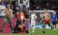 Cổ động viên nhào vào sân trong trận chung kết EURO 2020 là ai, anh ta có mục đích gì?