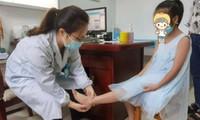 Bị mẹ bắt nhảy dây 3.000 lần/ ngày cho cao lên, cô bé ở Trung Quốc đau khớp nghiêm trọng