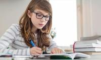 Muốn học mau giỏi, phải đọc sách giấy cơ!