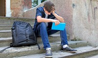 Học sinh bị đuổi học vì nói bậy