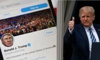 """Tổng thống Trump liên tục bị các mạng xã hội """"thổi còi"""", hết Facebook lại đến Twitter"""