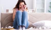 """Bạn gái cũ tung """"độc chiêu"""" sau khi chia tay, khiến bạn gái mới vừa khóc thét vừa bỏ chạy"""