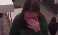 """Gửi bài kiểm tra giữa kỳ xong, sinh viên nữ phát khóc vì quên không sửa tiêu đề """"bố láo"""""""