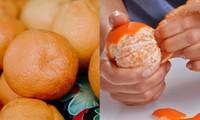 Không muốn nộp cước hành lý khi lên máy bay, 4 hành khách ăn sạch 30kg cam trong 20 phút