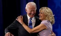 """Vợ chồng Tổng thống Mỹ Joe Biden lần đầu chia sẻ """"bí quyết 70/30"""" gìn giữ tình yêu gần 50 năm"""