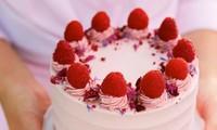 Nam sinh viên đặt tiệm bánh gửi bánh cho… 5 cô người yêu khác nhau vào đúng ngày Valentine