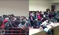 Bolivia: Kinh hoàng cảnh lan can tầng 4 ở trường ĐH gãy sụp, nhiều sinh viên rơi xuống đất
