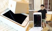 Đặt mua iPhone qua mạng, chàng trai choáng nặng khi nhận được chiếc iPhone khổng lồ