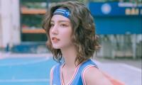 Nữ sinh gây sốt với bộ ảnh chơi bóng rổ sở hữu nét đẹp trong veo mà vẫn cool ngầu