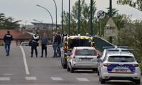 Cảnh sát gần nơi xảy ra vụ bắt cóc. (Nguồn: Mirror)