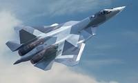 Tiêm kích Su-57 khoe kỹ năng nhào lộn điêu luyện trên không