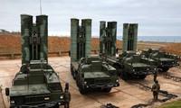 Hệ thống phòng thủ tên lửa S-400 của Nga. Ảnh: Tass