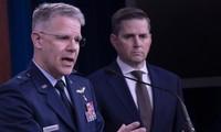 Phát ngôn viên Bộ Quốc phòng Mỹ Jonathan Hoffman trong cuộc họp báo ngày 5-10. Ảnh: REUTERS