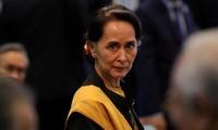 à Aung San Suu Kyi. Ảnh: Reuters