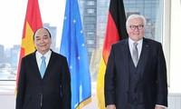 Chủ tịch nước Nguyễn Xuân Phúc gặp Tổng thống Đức Frank-Walter Steinmeier. (Ảnh: Thống Nhất/TTXVN)