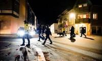 Cảnh sát có mặt tại hiện trường vụ tấn công. Ảnh: Reuters