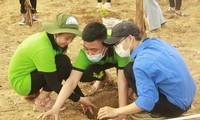 """""""Hành trình xanh 2021"""" còn rất nhiều hoạt động tập thể gắn kết các tình nguyện viên - Ảnh Đội CTXH"""