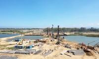 Dự án đập dâng hạ lưu sông Trà Khúc được khởi công tháng 7/2019 và dự kiến hoàn thành vào cuối năm 2021- ảnh N.N