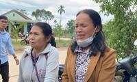 Người thân các nạn nhân mất tích tại thủy điện Rào Trăng 3 chờ đợi trong tuyệt vọng - ảnh Châu Thái
