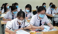 TP.HCM giãn cách theo chỉ thị 10, phụ huynh lo lắng: Teen 2K3 có thi tốt nghiệp đợt 1?
