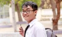 Tân Thủ khoa ĐH KHXH&NV TP.HCM chia sẻ bí kíp học Văn: Không học nhiều thầy cô vì dễ loạn