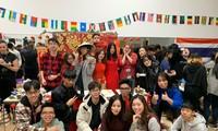 Du học sinh Việt chuẩn bị đón Tết Trâu Vàng xa nhà như thế nào giữa quy định giãn cách?