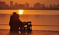 """Gác lại âu lo, cùng ngắm hoàng hôn tại những địa điểm cực """"chill"""" tại Hà Nội"""