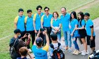Nghệ sĩ Tiến Luật, ca sĩ Hồ Việt Trung gom sao đá bóng gây quỹ hướng về miền Trung