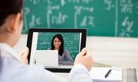 Ở nhà tránh dịch phải học online nhưng trường lại không giảm học phí, lý do là gì?