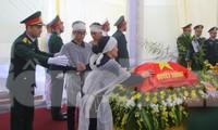 Ngày lễ 20/10 đầy nước mắt của mẹ và vợ Thiếu tướng Hùng