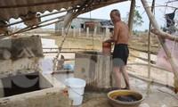 12 ngày không điện, không nước và không cơm của xóm nghèo bị cô lập trong lũ