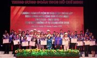 Các cán bộ Đoàn xuất sắc nhận giải thưởng Lý Tự Trọng năm 2019.