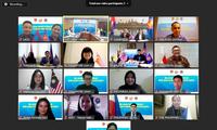 Các đại biểu thanh niên các nước và Ban thư ký ASEAN tại cuộc họp trực tuyến