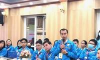 Anh Lê Anh Tiến, anh Tổng giám đốc của Công ty CP công nghệ Chatbot Việt Nam chia sẻ tại Diễn đàn.