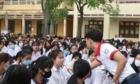 Hướng nghiệp cho gần 1.300 học sinh cấp 3