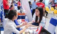 """""""Chiến dịch 90.000 việc làm"""" đã giúp trên 90.000 bạn trẻ tìm kiếm được việc làm phù hợp thời dịch bệnh (Ảnh minh hoạ)"""