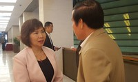 Thứ trưởng Hồ Thị Kim Thoa bên lề phiên họp Uỷ ban Thường vụ Quốc hội, ngày 20/2