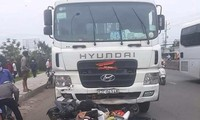 Xe container đâm hàng loạt xe máy làm chết và bị thương nhiều người tại Long An. Ảnh TP