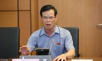 Bí thư Tỉnh ủy Hà Giang Triệu Tài Vinh tại phiên thảo luận tổ sáng 22/5. Ảnh Như Ý