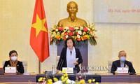 Chủ tịch Quốc hội Nguyễn Thị Kim Ngân phát biểu tại phiên họp. Ảnh QH