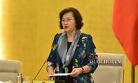 Chủ tịch Quốc hội Nguyễn Thị Kim Ngân đề nghị các cơ quan thay đổi phương thức làm việc, sớm gửi tài liệu các dự án phục vụ phiên họp.