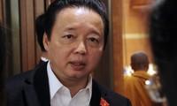 Bộ trưởng TN&MT Trần Hồng Hà nhận được nhiều câu hỏi liên quan đến việc người nước ngoài núp bóng thâu tóm đất đắc địa