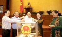 Quốc hội bỏ phiếu, phê chuẩn các Phó chủ tịch, Uỷ viên Hội đồng Bầu cử Quốc gia