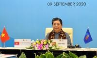 Phó Chủ tịch Thường trực Quốc hội, Trưởng đoàn Đại biểu Quốc hội Việt Nam Tòng Thị Phóng phát biểu tại phiên họp. Ảnh Như Ý