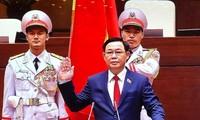 Tân Chủ tịch Quốc hội Vương Đình Huệ tuyên thệ