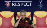 HLV Mourinho nuối tiếc vì không thể tới theo dõi trực tiếp trận đấu.