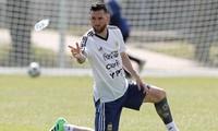 Tin nhanh World Cup: HLV Argentina phủ nhận bị Messi chỉ đạo