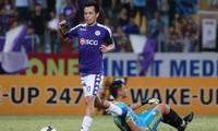 Văn Quyết lập cú đúp trong chiến thắng 5 sao của Hà Nội FC