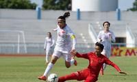 Tuyển nữ Việt Nam vào bán kết Đông Nam Á với 'mưa' bàn thắng
